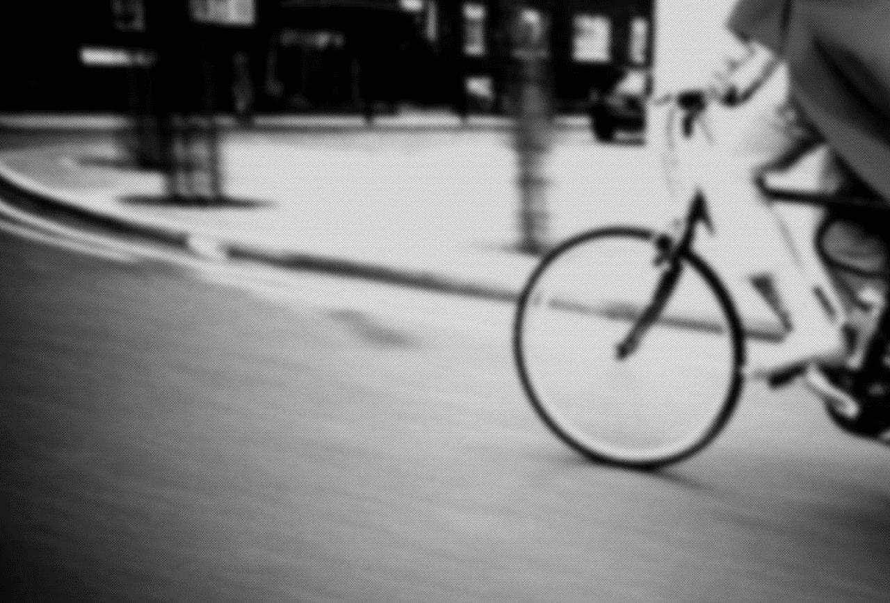 Aparcamientos de bicicletas en zonas comunes.