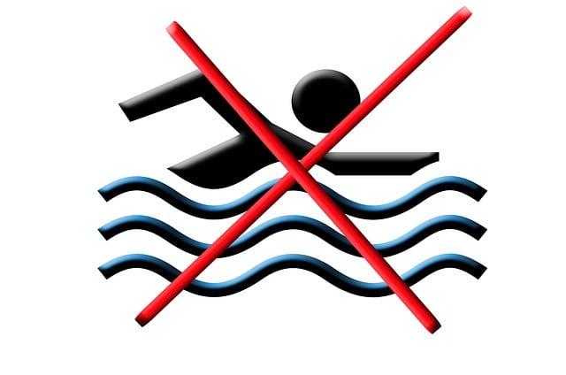 Ilegalidad de prohibición de uso a morosos.